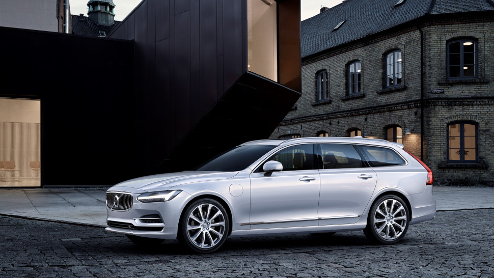 VOLVO V90 T8 Twin Engine (MY 20)