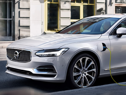 VOLVO S90 Twin Engine (MY 2018)