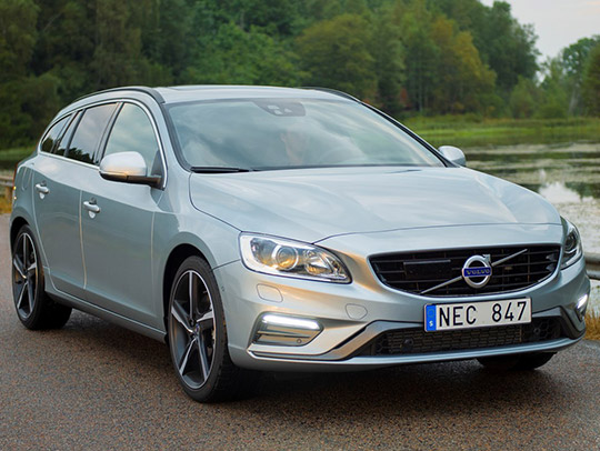 VOLVO V60 Twin Engine (MY 2016)