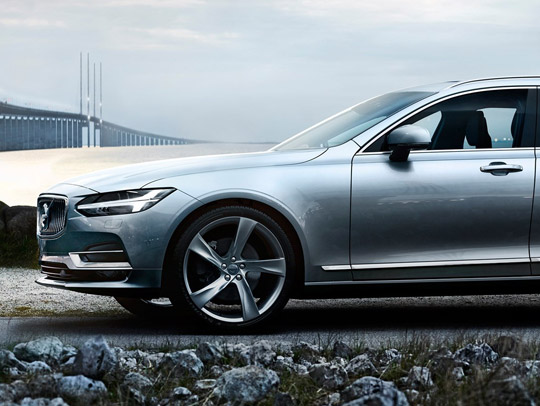 VOLVO V90 T8 Twin Engine (MY 2018)